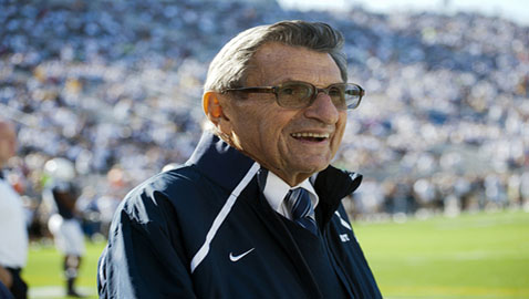 Coaching Legend Joe Paterno Dies at Age 85