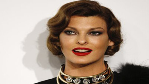 "Linda Evangelista at Court as ""a Mother not a Model"""