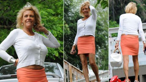 NJ Tanning Mom Gives Paparazzi a Show