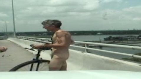 Naked Unicyclist Arrested in Texas