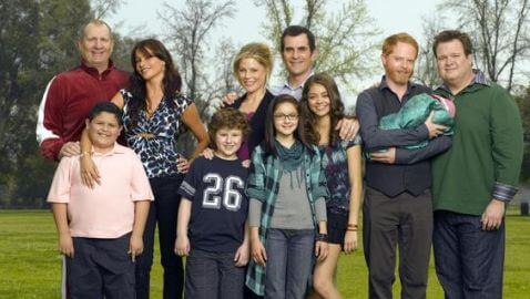 Cast of 'Modern Family' Sues 20th Century Fox