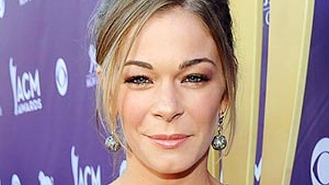 LeAnn Rimes Enters Rehab for Stress