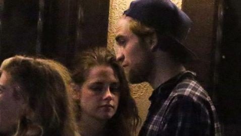 Photo of Kristen Stewart and Robert Pattinson Surfaces