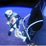 """""""Fearless Felix"""" Breaks Records with His Jump from the Stratosphere"""