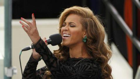 Beyonce Lip-Syncs National Anthem at Inauguration