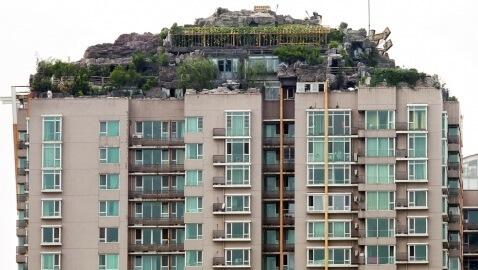 Illegal Artificial Mountain Garden Tops Penthouse in Beijing