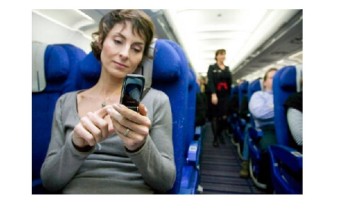 Airlines to Allow Electronic Devices Under 10,000 Feet