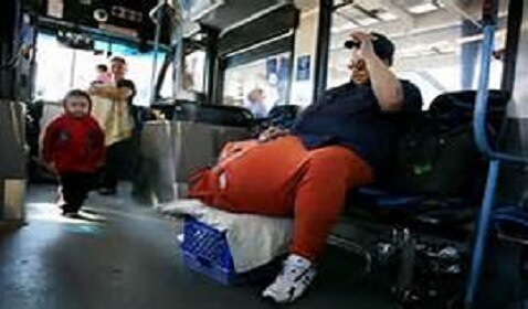 Man with Scrotum Weighing 132 lbs. is Dead at 49