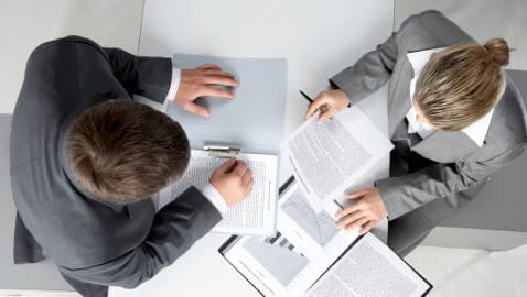 in-house-litigation-attorneys-working-in-jobs
