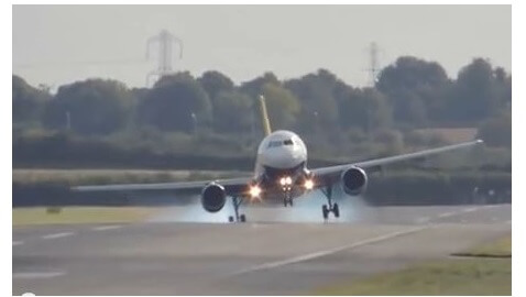 Unbelievable Video of Plane Landings