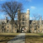 Top Law Schools Unable to Attract Enough Students