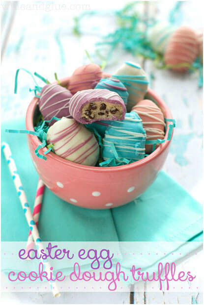 Easter-egg-chocolate-covered-strawberries-and-other-Easter-treats-2