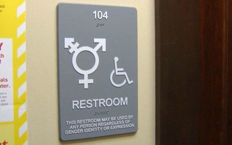 Obama Warns All Schools to Not Enforce Anti-Transgender Bathroom Law