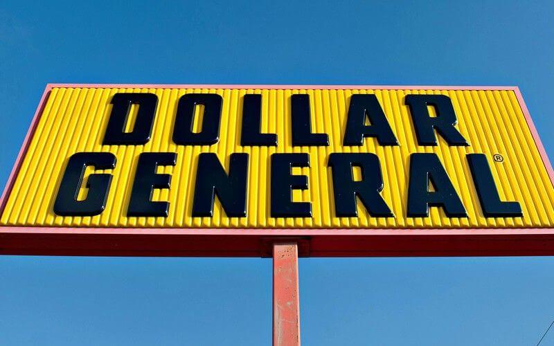10-Year-Old Boy Has Epic Tantrum in Dollar General