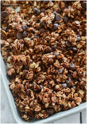 10 Delicious DIY Granola Recipes
