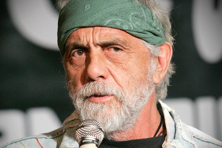 Comedian Tommy Chong, part of the comedy duo of Cheech & Chong, announces their first comedy tour in 25 years during a news conference in Los Angeles July 30, 2008. The counter-culture duo are famous for their comedy routines about marijuana. REUTERS/Fred Prouser (UNITED STATES) - RTR20HVZ