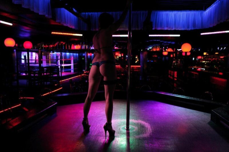 Lawsuit Claims Wisconsin Strip Club Misclassifies Dancers