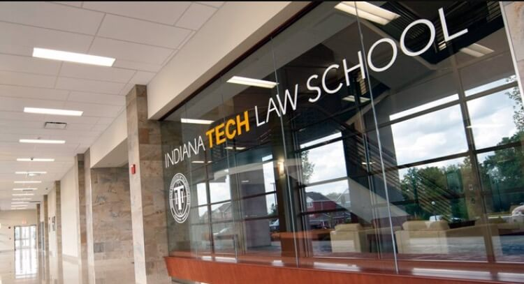 Law School Blames Students for Its Closing