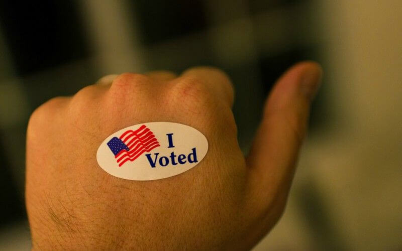 Ballot Selfies May Be Illegal in Your State