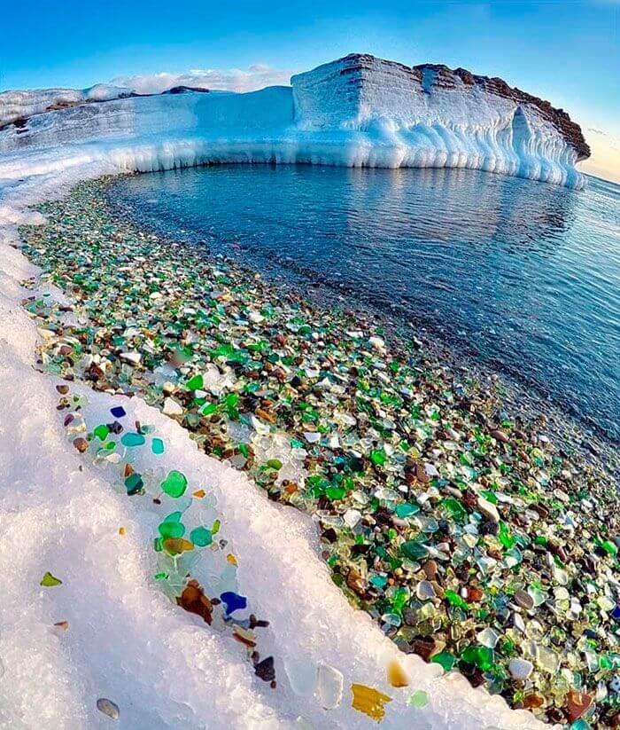 Glass beach winter