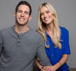 """""""Flip or Flop"""" Star Allegedly Targeted by Skin Care Scam"""