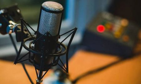 8 Best Podcasts for Health and Fitness Junkies