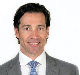 Latham & Watkins Adds Leading Corporate Lawyer